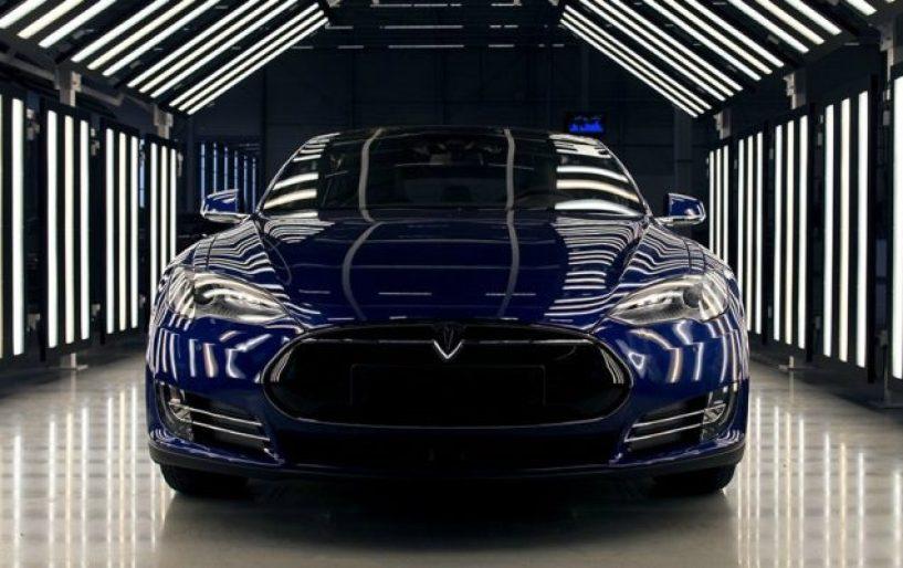 Συνεργασία Tesla με AMD για τα οχήματα χωρίς οδηγό!!!