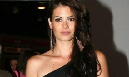 Μαρία Κορινθίου: «Έχουν αρχίσει να με εκτιμούν στον χώρο μου»