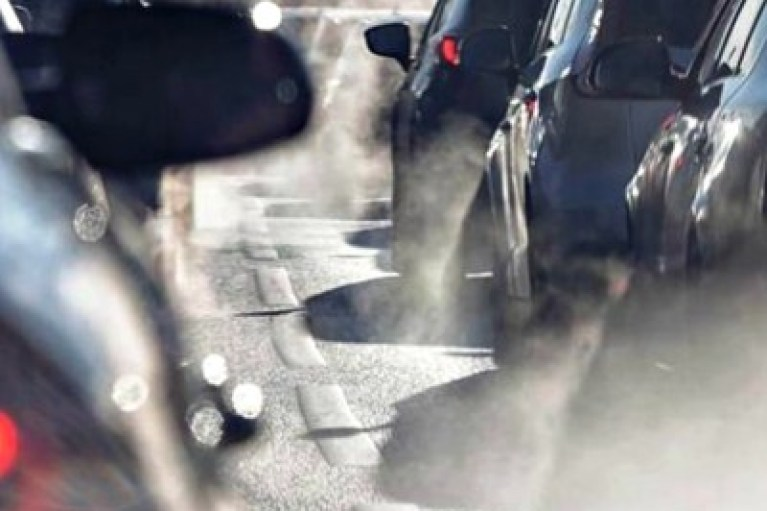 Στροφή σε πιο καθαρά αυτοκίνητα έως το 2030