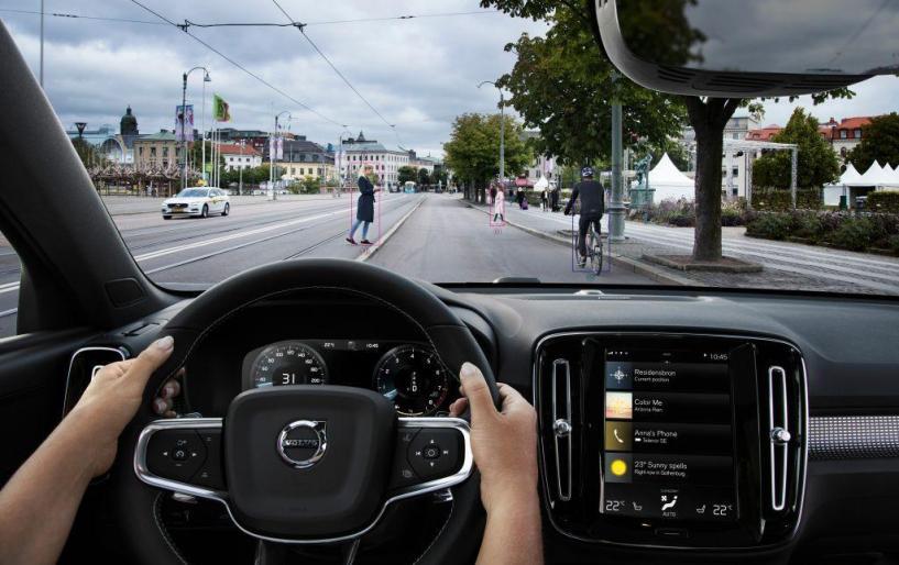 Μέγιστη ταχύτητα 180 χλμ./ώρα για όλα τα νέα Volvo από το 2020