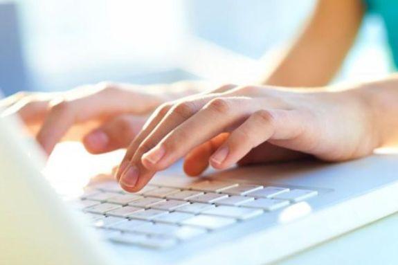 Πόσες ώρες χρησιμοποιούν το internet οι Έλληνες;