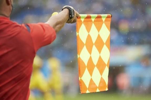 Υποδεικνύουν… οφσάιντ το ποδόσφαιρο μας