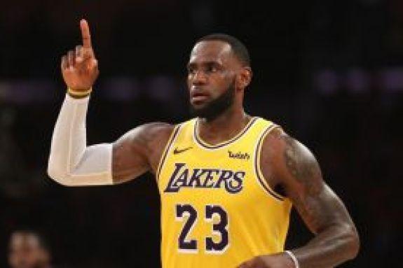 NBA: Μοναδικό ρεκόρ από τον ΛεΜπρον Τζέιμς (vid)