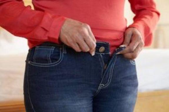 Χαμός σε κατάστημα: Την τσάκωσαν να κλέβει τζιν και να τα… φοράει! (pics)