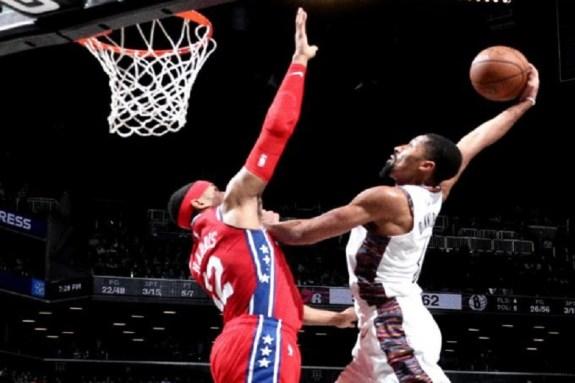 NBA: Εύκολα βράδια για Πέισερς και Νετς