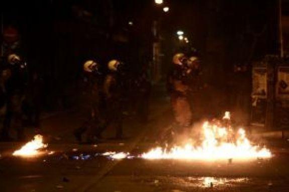 Διεθνής Αμνηστία: Μεγάλη ανησυχία για τις εικόνες αστυνομικής βίας στην Αθήνα (pic)