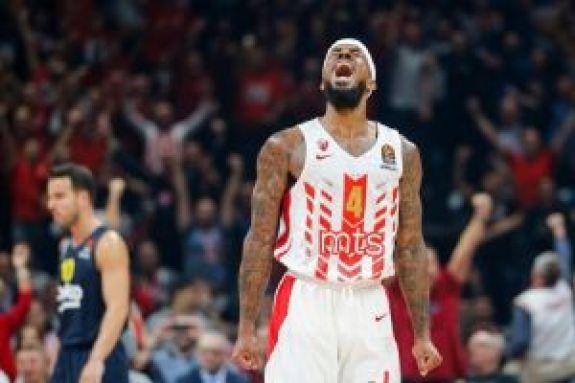 EuroLeague: Ο Λορέντζο Μπράουν στην κορυφή του Top-10 (vid)