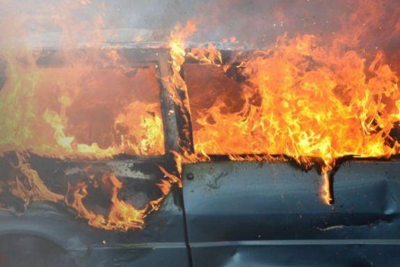 Kαταστράφηκε από πυρκαγιά αυτοκίνητο στην Αμμουδάρα
