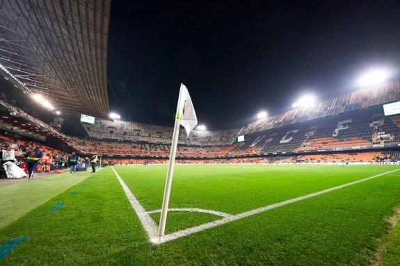 H UEFA θα επιτρέψει την σταδιακή παρουσία φιλάθλων στο Ch. League