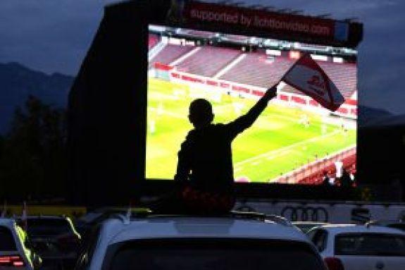 Το ποδόσφαιρο πήγε σε Drive In σινεμά (pics)