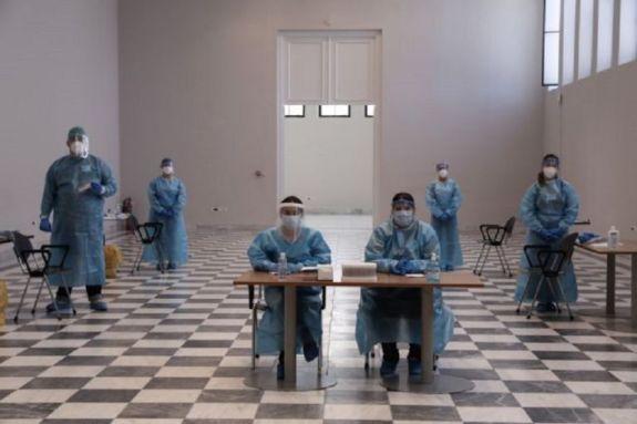 Κορωνοϊός: Συνεχίζεται η αύξηση των κρουσμάτων – Τι ανησυχεί τους επιστήμονες