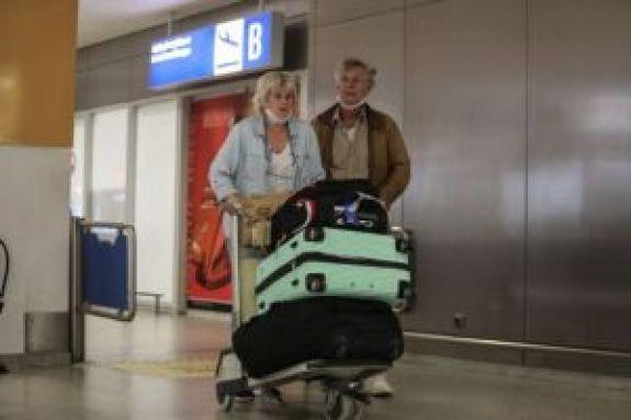 Κορωνοϊός: Έκτακτο σχέδιο διαχείρισης των τουριστών – Πώς θα γίνεται η μεταφορά των εισαγόμενων κρουσμάτων