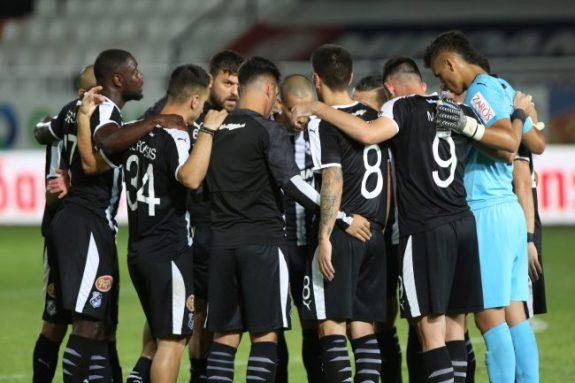 Pic | Η αποστολή του ΟΦΗ για το ματς με τον Ολυμπιακό, εκτός Μάνος και Μεγιάδο