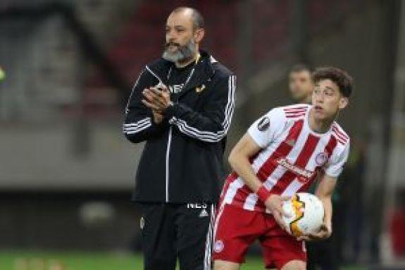 Νούνο Εσπίριτο: «Χρειαζόμαστε παίκτες»