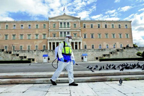 Κορωνοϊός : Μάσκα παντού κι απαγόρευση κυκλοφορίας μετά τις 00:30