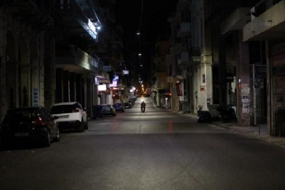 Κορωνοϊός: Ποιες περιοχές βρίσκονται στα πρόθυρα lockdown – Τα στοιχεία που ανησυχούν τους ειδικούς