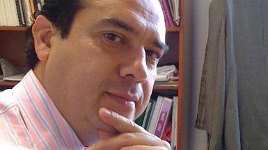 El autor es licenciado en Derecho, especialista en Derecho Agrario; Maestro en Ciencias en Desarrollo Rural Regional; Maestro en Derecho Ambiental y de la Sostenibilidad; Diplomado en la Unión Europea