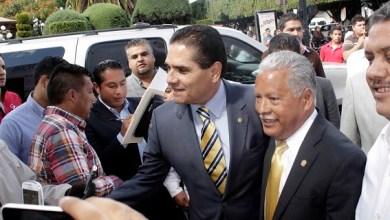 En Zacapu, Silvano Aureoles acompañó al diputado federal del PRD, José Luis Esquivel, en su informe anual de labores
