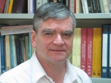 El autor, Jorge E. Traslosheros, es investigador titular del Instituto de Investigaciones Históricas de la UNAM, Doctor en Estudios Latinoamericanos por la Universidad de Tulane y Maestro en Historia por el Colegio de Michoacán