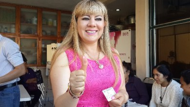 Emite voto Lupita Herrera en Morelia