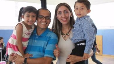 Acude Rubí Rangel, candidata del PAN a emitir su voto con su familia