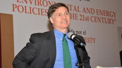 El destacado investigador Daniel C. Esty, diserta en la UMSNH sobre desarrollo y energía para el siglo XXI