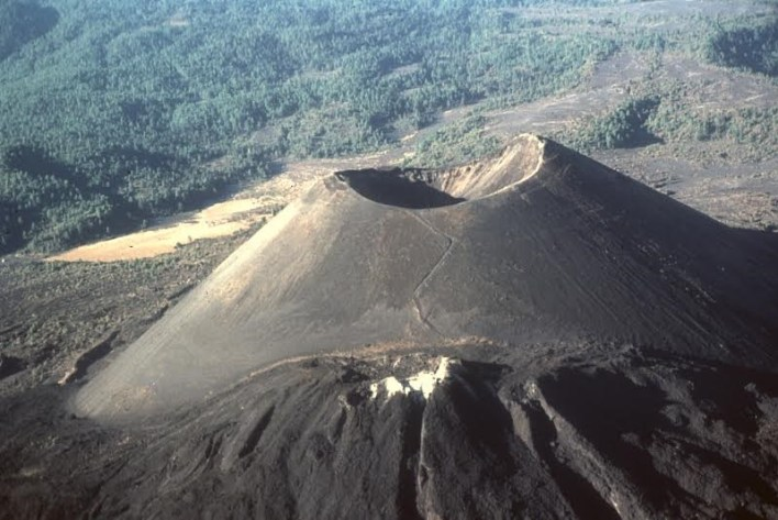 Inician esta semana eventos académicos y culminan con una excursión al volcán el próximo sábado