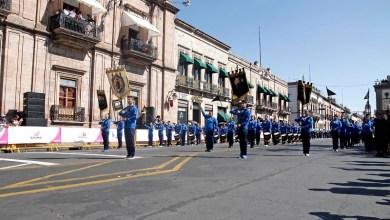La Banda de Guerra de la Casa de Hidalgo al frente de los contingentes en el desfile deportivo