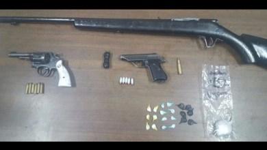 Los presuntos implicados, armas de fuego, droga, cargadores, cartuchos y vehículos fueron puestos a disposición de la autoridad competente