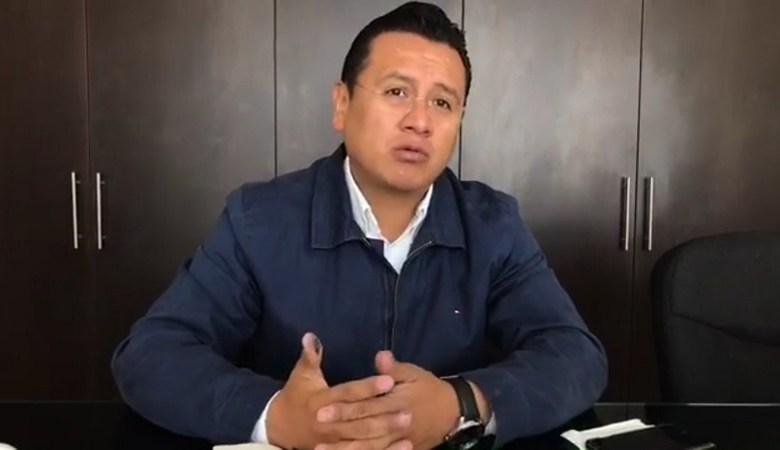 Otra de las propuestas que el PRD en Michoacán tiene para combatir esta crisis financiera, dijo el dirigente estatal, es revisar el tema del salario mínimo, el cual necesita un incremento justo para que los mexicanos puedan vivir decorosamente
