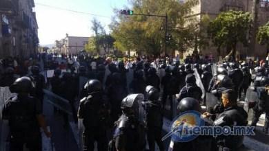 Hasta el momento se desconoce cuál fue el motivo por el cual los supuestos estudiantes bloquearon la vialidad (FOTO: FRANCISCO ALBERTO SOTOMAYOR)