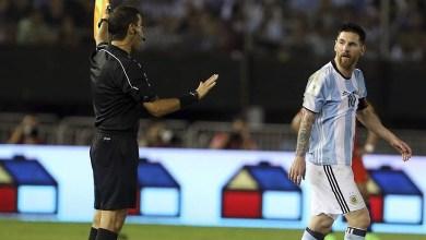 La suspensión aplica desde el partido del martes por la noche en Bolivia, y lo marginará también de los próximos duelos ante Uruguay, Venezuela y Perú