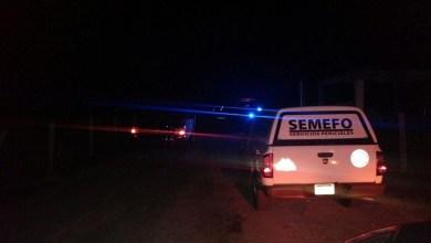 Vecinos del lugar dieron aviso a las autoridades, por lo que personal de la Policía Michoacán llegó acordonar el área, debido que a su arribo encontraron el cuerpo ya sin vida de la persona