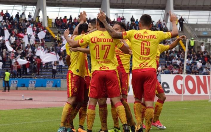 Ruidíaz (ms 14 y 17) y el chileno Diego Valdés (m.31) anotaron por los Monarcas, mientras el peruano Luis Advíncula (m.46) descontó por los Lobos