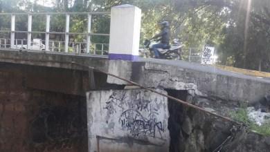 En días pasados los automovilistas que circulaban sobre un de los puentes del libramiento norte se percataron que las trabes presentaban una separación importante por lo que se preocuparon de que pudiera representar un serio peligro