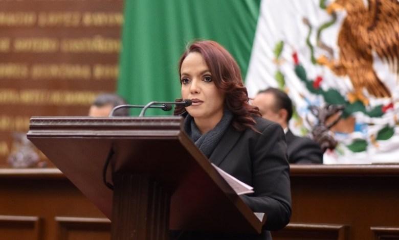 El rezago y la desigualdad, son constantes causadas por el derroche de recursos para la promoción del Presidente de la República: Villanueva Cano