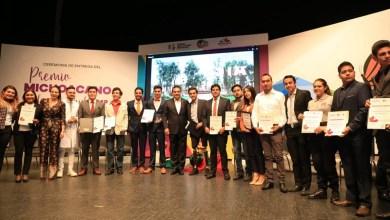 El mandatario estatal se congratuló por las y los jóvenes que se convierten en ejemplo de más, al abonar con su trabajo y desempeño al desarrollo de Michoacán
