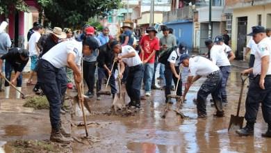 El secretario de Gobierno, Pascual Sigala, constató esta mañana la disminución del cauce del Río Grande