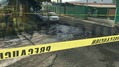 Tras el ataque murió el chofer, quien recibió varios impactos de bala en el cuerpo, en tanto que la mujer milagrosamente resultó ilesa