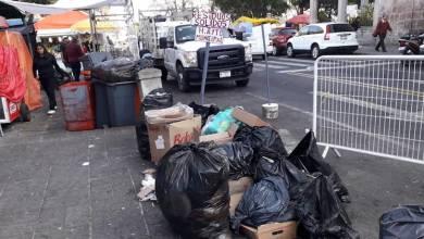 Por día, la autoridad municipal señaló que son 45 toneladas de desechos en promedio los que se han recolectado de lunes a viernes, mientras que el fin de semana, entre sábado y domingo, han recogido 120 toneladas