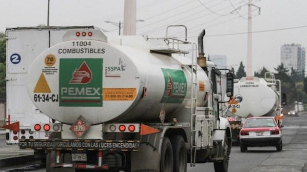 El presidente dijo que con este plan se pretende garantizar el abasto de 200,000 barriles de combustible diario