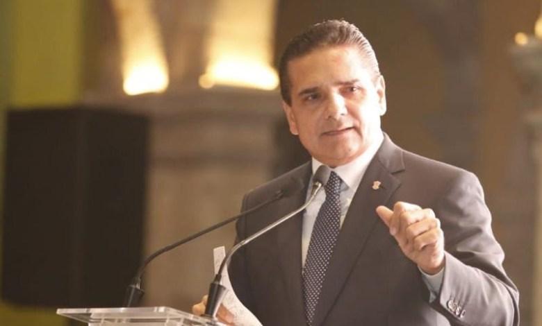 """""""Esto solamente depende de que la CNTE nos notifique cuándo podemos reiniciar los trabajos de la mesa tripartita"""", apuntó Silvano Aureoles"""