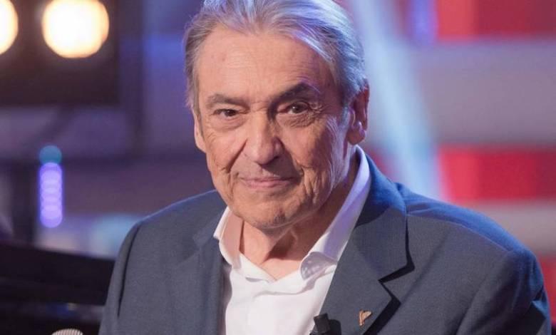 Su larga carrera cuenta con medio centenar de discos, por los que recibió cuatro discos de oro, cuatro libros de poemas y dos películas como actor