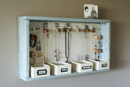 jewelry organizer with spools