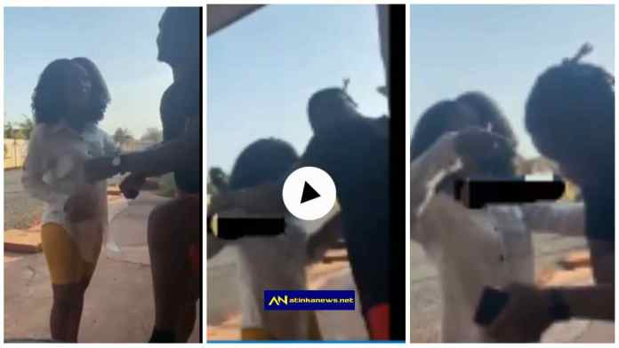 Client and Ashawo fight on street