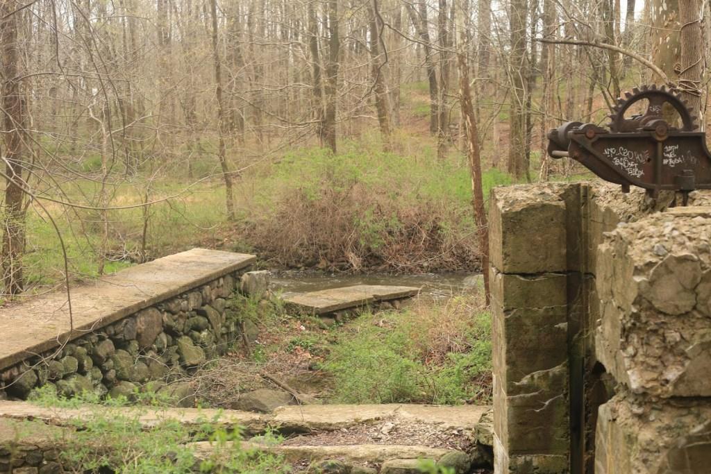 old mill kakiat park details