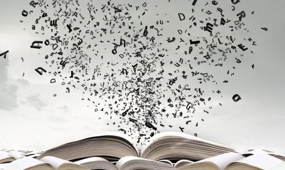 Letras saliendo de libro web