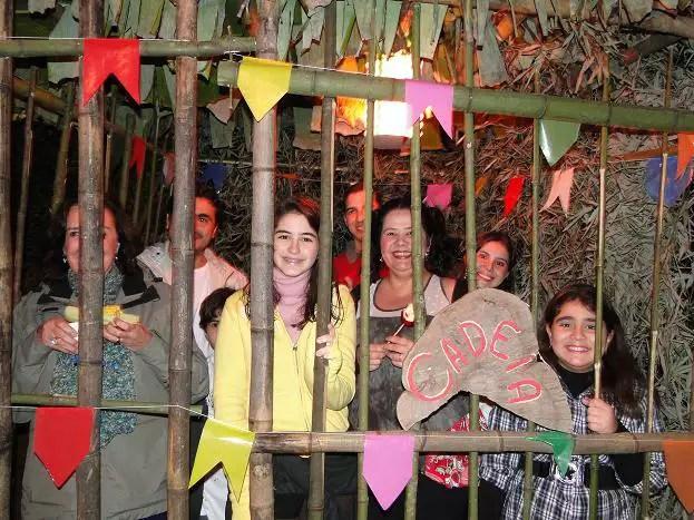 Resultado de imagem para cadeia festa junina