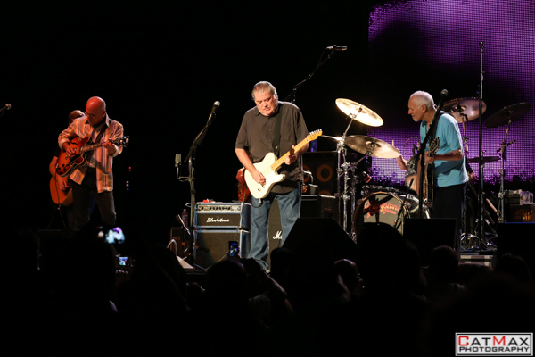 CatMax Photography – BB King – Peter Frampton – Verizon Wireless – GA-8212