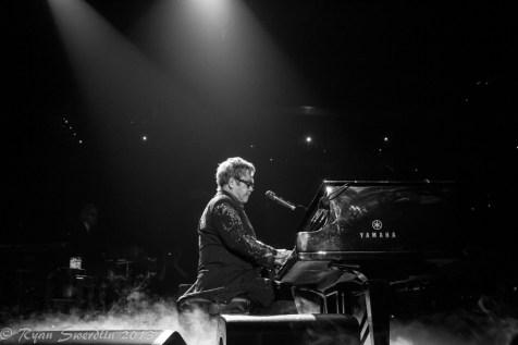 Elton fog piano 1 (1 of 1)